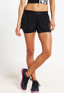 venta minorista cde94 c6c45 Comparativo de pantalones de deporte cortos para mujer ...